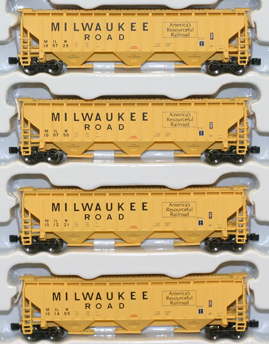 Consignment AZL90913-1 - AZL 90913-1 - 4pc PS2-CD 4750 Hopper Car Set of the MILW