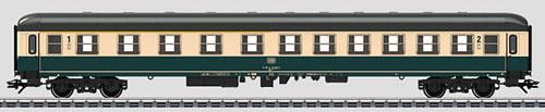 Consignment MA43932 - Marklin 43932 - German Express Passenger Car of the DB