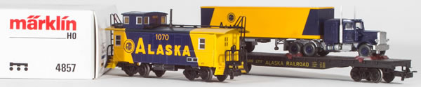 Consignment MA4857 - Marklin 4857 2pc Car Set, Caboose & Flat Car with Semi Truck Load