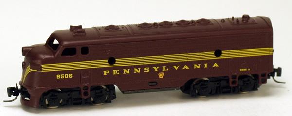 Consignment MT12002-2 - Micro Trains 12002-2 USA F7 Dummy Locomotive A Unit Pennsylvania