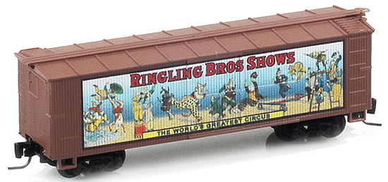 Consignment MT51500602 - Micro Trains 51500602 40 Wood Box Car Ringling Bros. and Barnum & Bailey Billboard Car #2