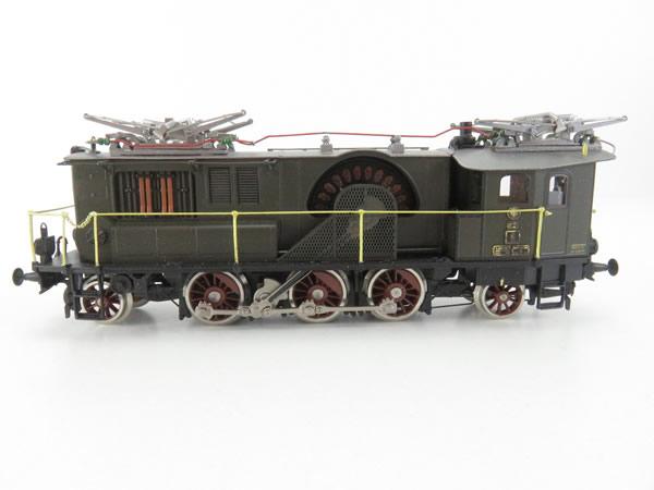 Consignment T22490 - Trix 22490 Fine Art KPEV ES6 Electric Locomotive