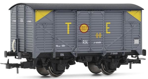 Electrotren E19025 - Wagon type J in grey livery TE with yellow corner markings