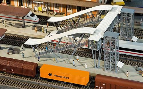 Faller 120110 - Neustadt/Weinstraße Platform bridge
