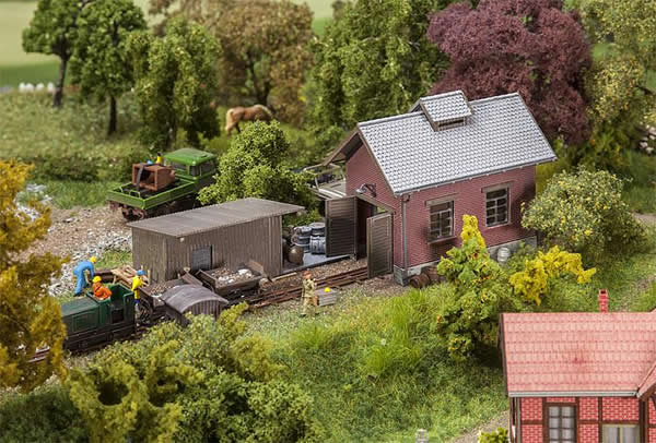 Faller 120280 - Light railway engine shed