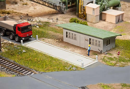 Faller 130172 - Truck scale with office