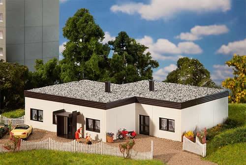 Faller 130199 - Flat roof bungalow