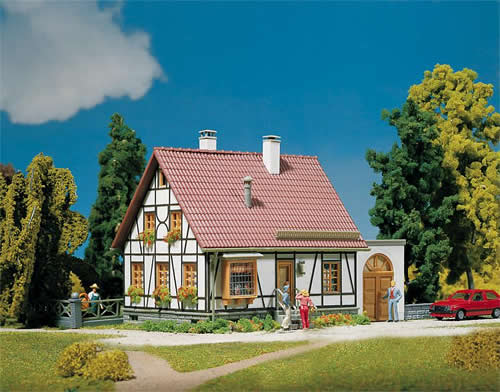 Faller 130215 - Timbered house with garage