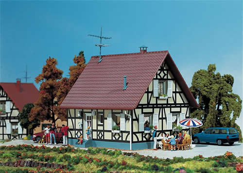 Faller 130221 - Half-timbered one-family house