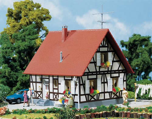Faller 130222 - Family home with timber framing