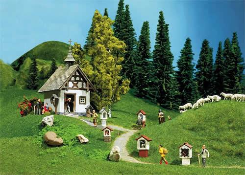 Faller 130235 - Chapel with wayside crosses