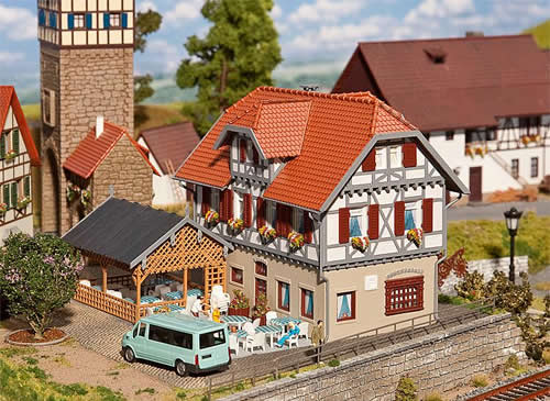 Faller 130438 - The Sonne Inn with summerhouse