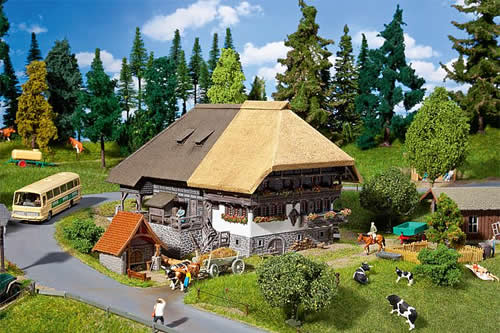 Faller 130534 - Black Forest Farm with straw roof