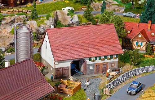 Faller 130535 - Large farmhouse
