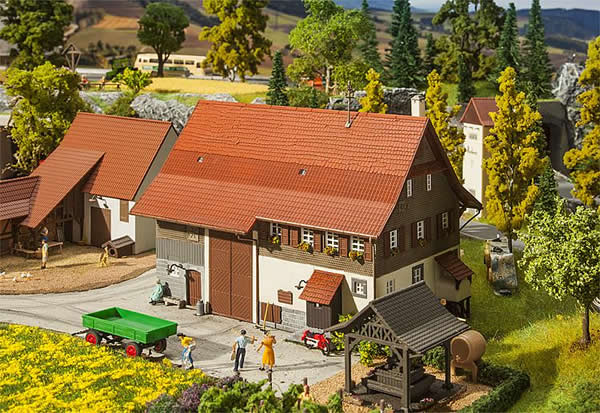 Faller 130558 - Old farmhouse