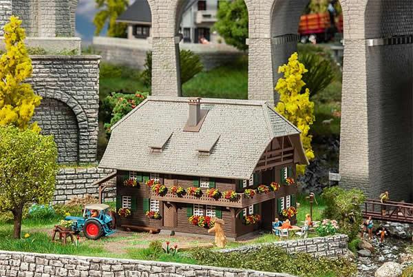 Faller 130573 - Black Forest house