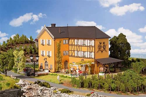 Faller 130908 - Vineyard with garden restaurant
