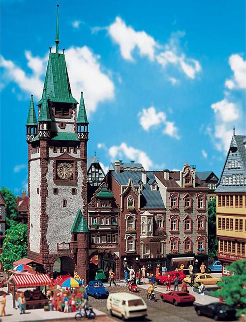 Faller 130922 - St. Martin's gate in Freiburg i. Br.