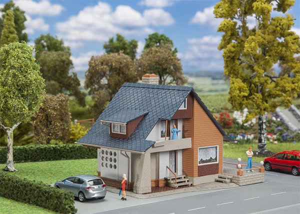 Faller 131504 - Dwelling house with balcony