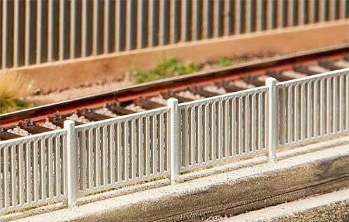 Faller 180428 - Modern fence, 1242 mm