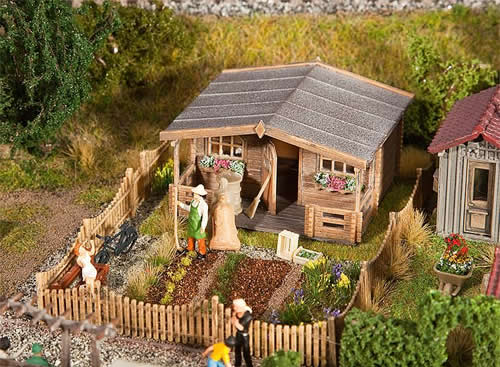 Faller 180493 - Allotments with large garden house