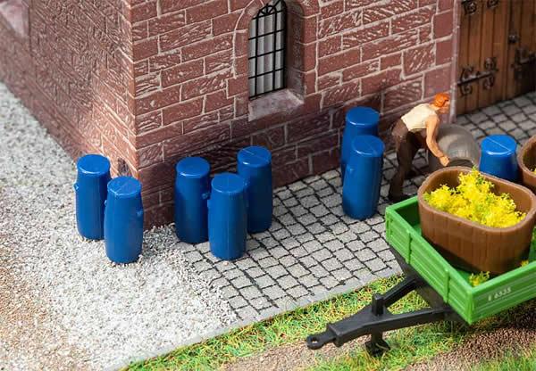 Faller 180970 - 9 Plastic barrels