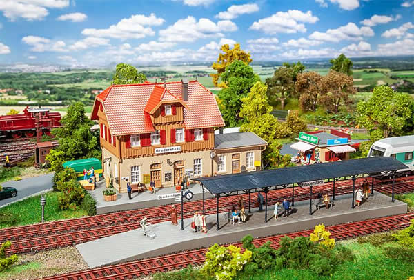 Faller 190072 - Promotional set Bruderstadt Station