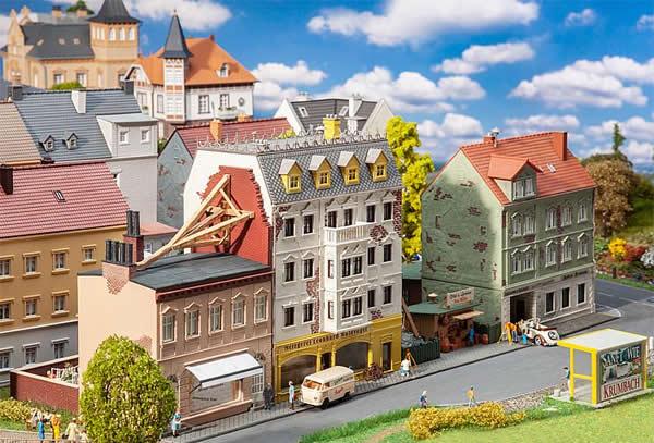 Faller 191748 - Breitestraße Row of town houses
