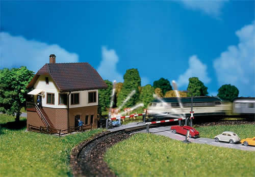 Faller 222170 - Level crossing with signal tower