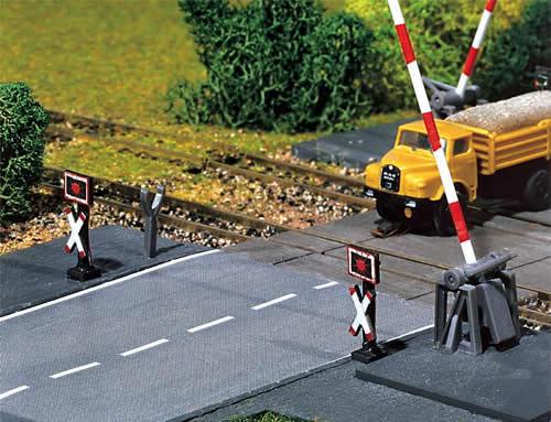 Faller 222175 - 2 Warning crosses with flashing lights