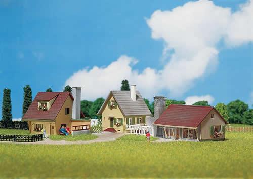 Faller 232221 - 3 Suburban homes
