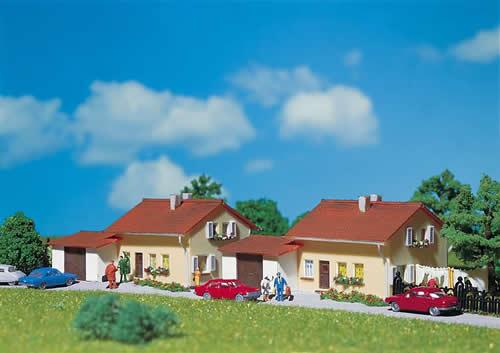 Faller 232222 - 2 Suburban homes