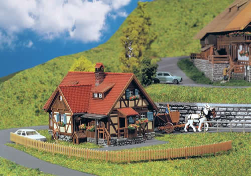 Faller 232340 - Rural half-timbered house
