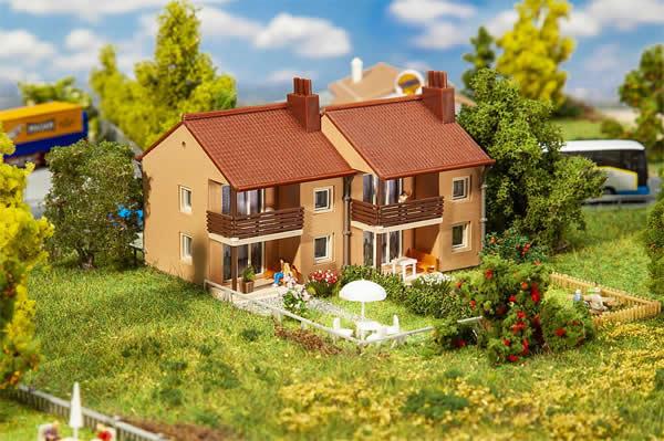 Faller 232573 - Double row house