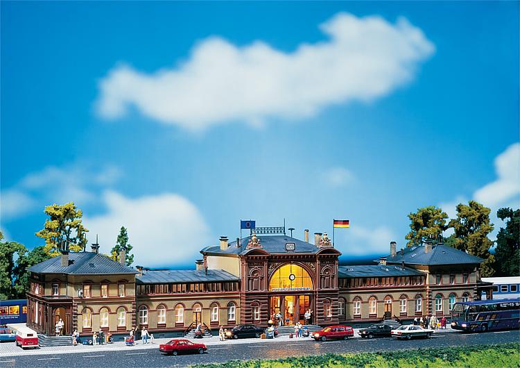 Faller 110113 Bonn Station