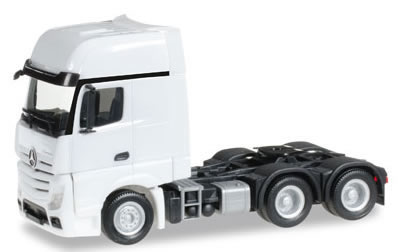 Herpa 305168 - Mercedes Actros Gigaspace 6X4 Tractor 305167-002