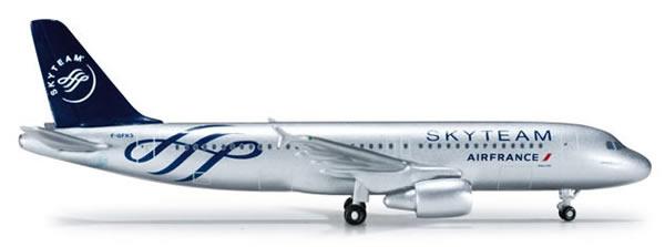 Herpa 518758 - Airbus 320 (35.95) Air France - Skyteam