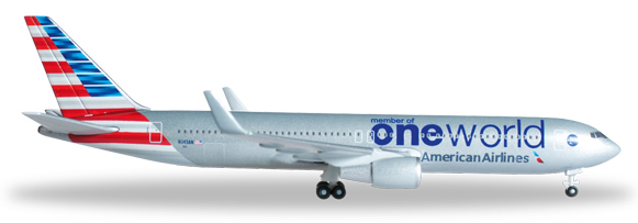 Herpa 526616 - Boeing 767-300 (49.95) American - One World