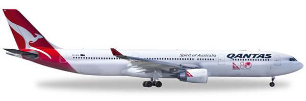 Herpa 528672 - Airbus 330-300 Qantas - 80 Years Of International...