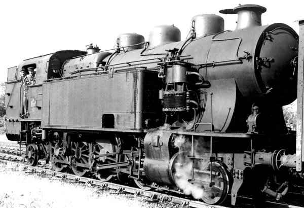 Jouef HJ2304 - French steam locomotive 141 TA 312 of the SNCF (DCC Sound Decoder)