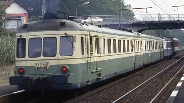 Jouef HJ2386S - French 2pc Railcar Class X2700 of the SNCF (DCC Sound Decoder)