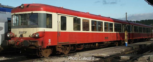 Jouef HJ2611 - French 2pc Diesel railcar EAD X 4500 of the SNCF