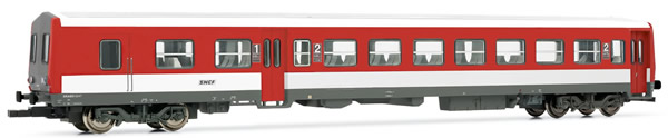 Jouef HJ4114 - French XR 6000 coach of the SNCF; red/white livery