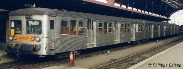 Jouef HJ4150 - 3pc RIB 70 Passenger Coach Set