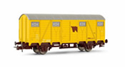 Closed yellow wagon for cattle