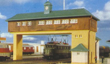 Kibri 36730 - Signal tower over tracks