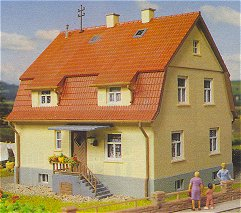 Kibri 38160 - H0 House with attic**discontinued**