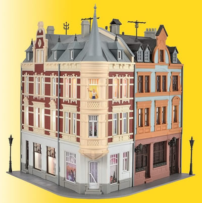 Kibri 38295 - H0 Town house with figure and house illumination start-set, functional kit