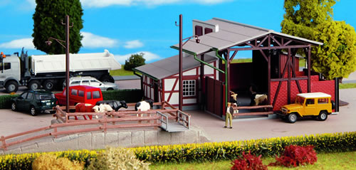 Kibri 39096 - Cattle Barn w/Ldg Ramp