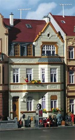 Kibri 39101 - H0 Middle-class house with oriel Bonn
